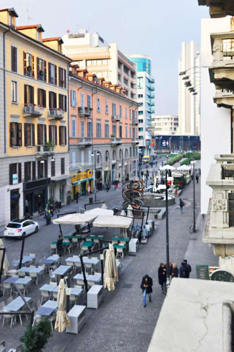 Bilocale Milano Corso Como 12