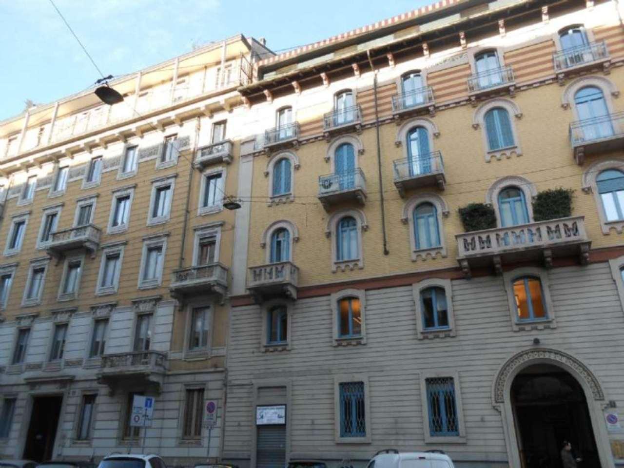 Ufficio studio in affitto a milano via vincenzo monti for Ufficio affitto