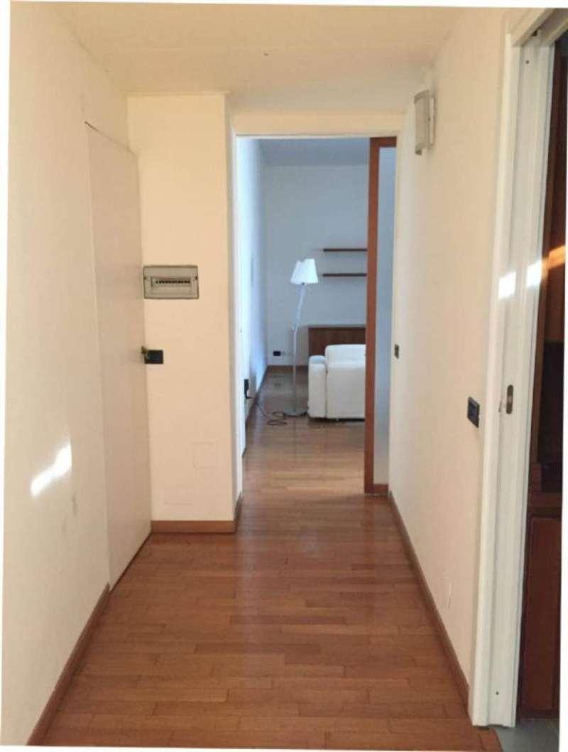 Appartamento in affitto a Milano, 2 locali, zona Zona: 1 . Centro Storico, Duomo, Brera, Cadorna, Cattolica, prezzo € 1.380 | Cambio Casa.it