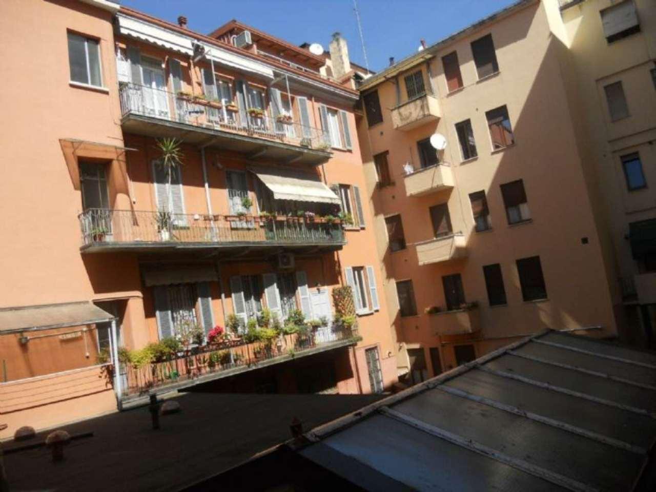 Bilocale Milano Via Correggio 8