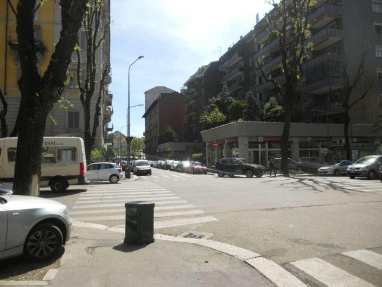Bilocale Milano Via Correggio 12