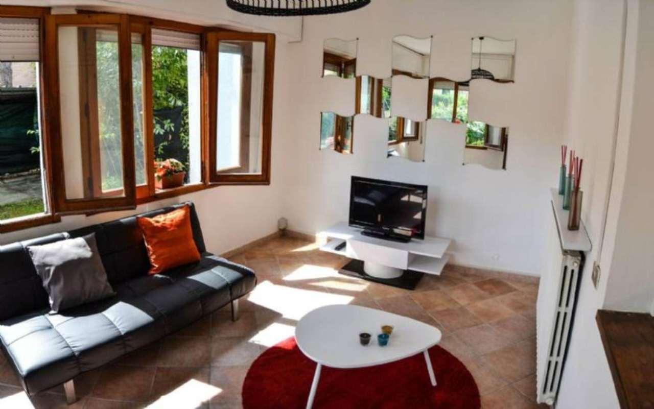 Villa in Vendita a Forte Dei Marmi Centro: 4 locali, 90 mq