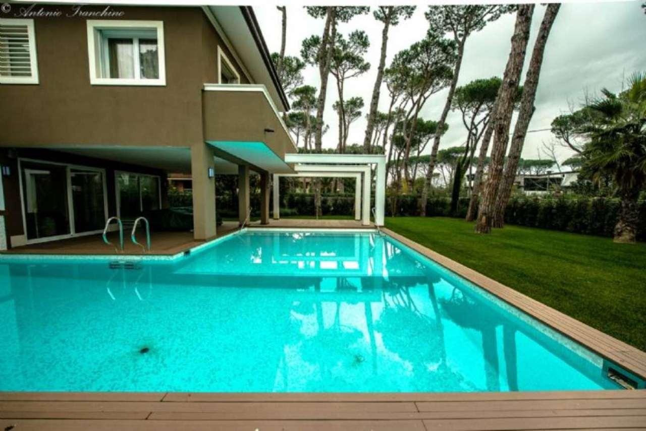 Villa in vendita a Forte dei Marmi, 12 locali, Trattative riservate | Cambio Casa.it