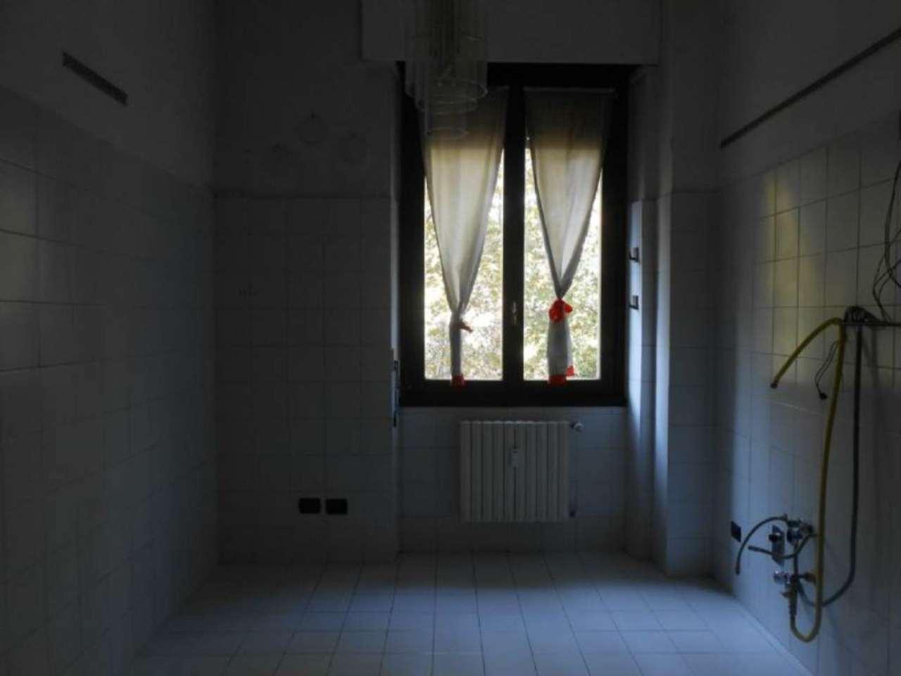 Bilocale Milano Viale Monterosa 5