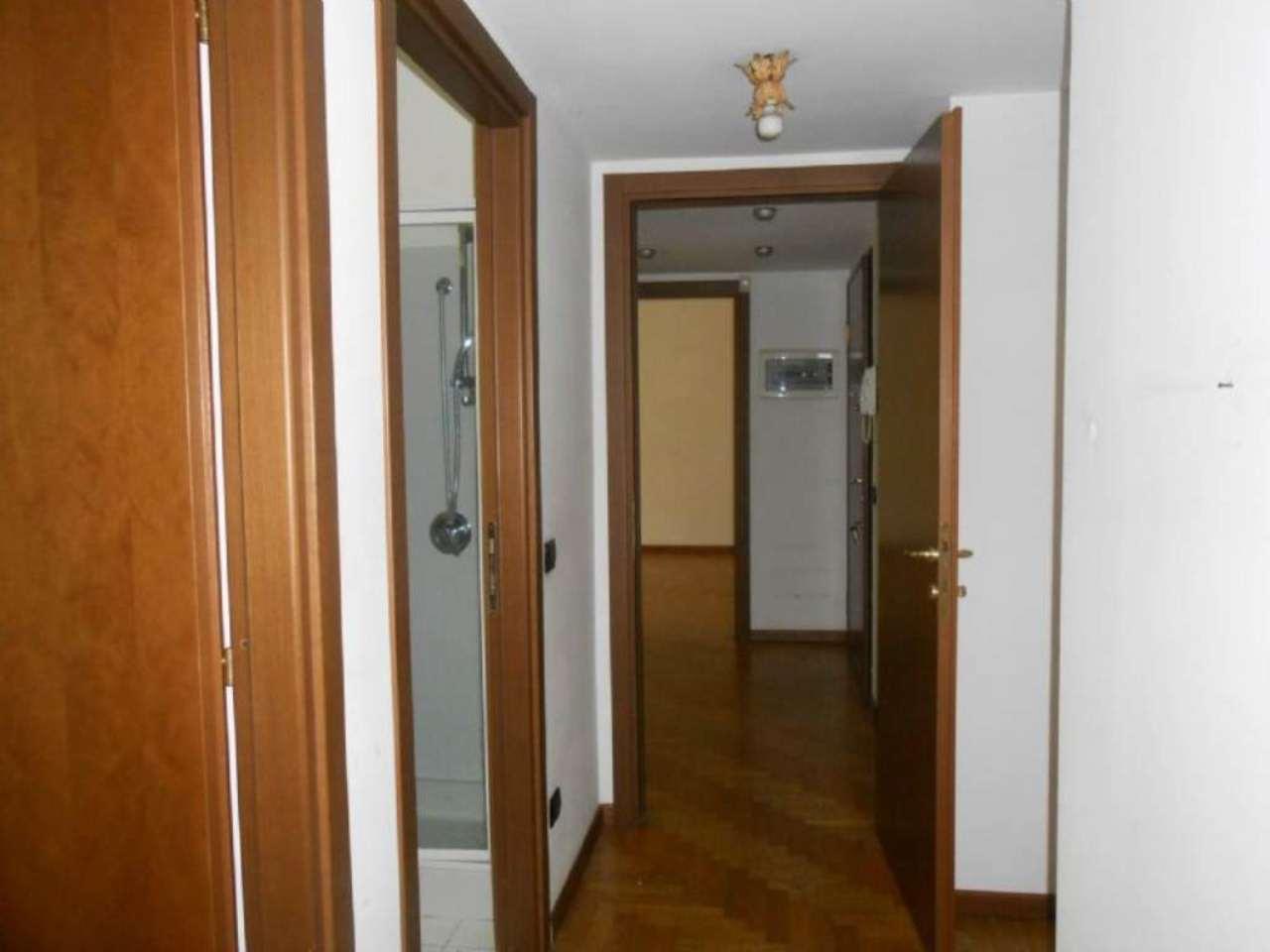 Bilocale Milano Viale Monterosa 9