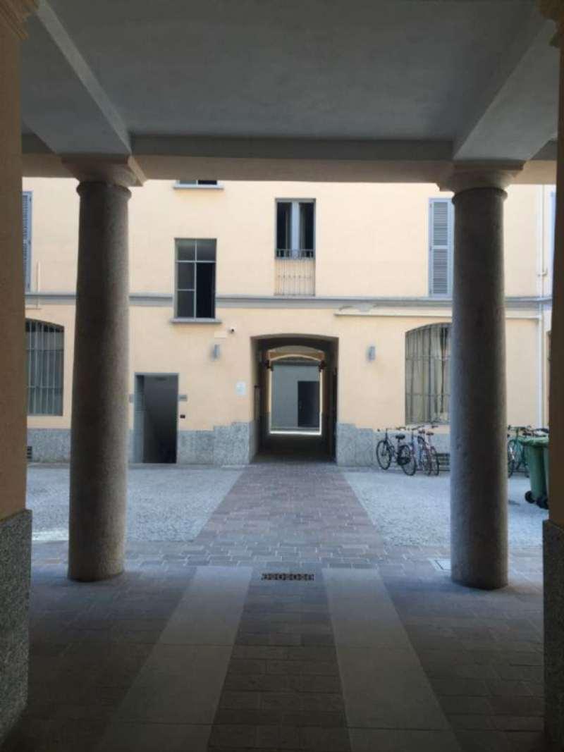 Bilocale Milano Via Tadino 13