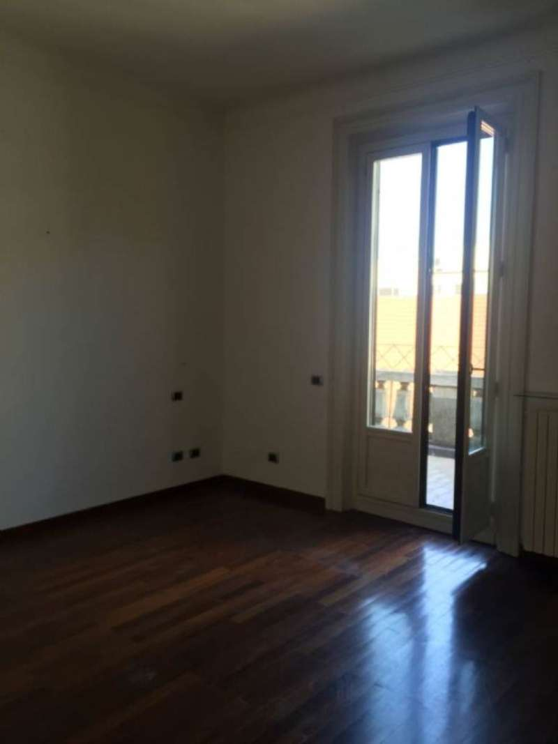 Bilocale Milano Via Conservatorio 9