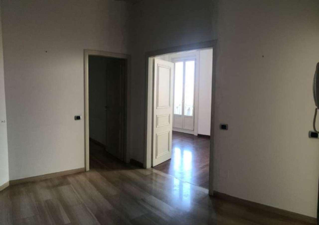 Bilocale Milano Via Conservatorio 11
