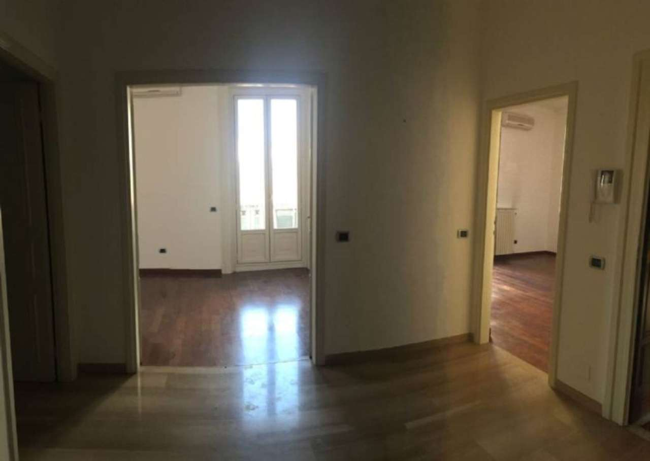 Bilocale Milano Via Conservatorio 7