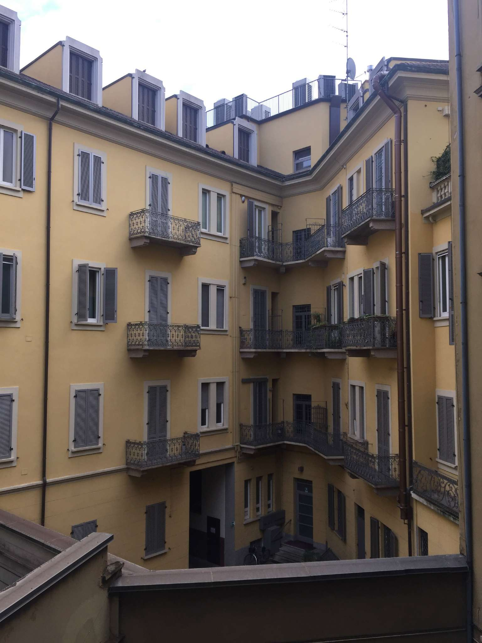 Appartamento in affitto a Milano, 2 locali, zona Zona: 1 . Centro Storico, Duomo, Brera, Cadorna, Cattolica, prezzo € 1.100 | Cambio Casa.it
