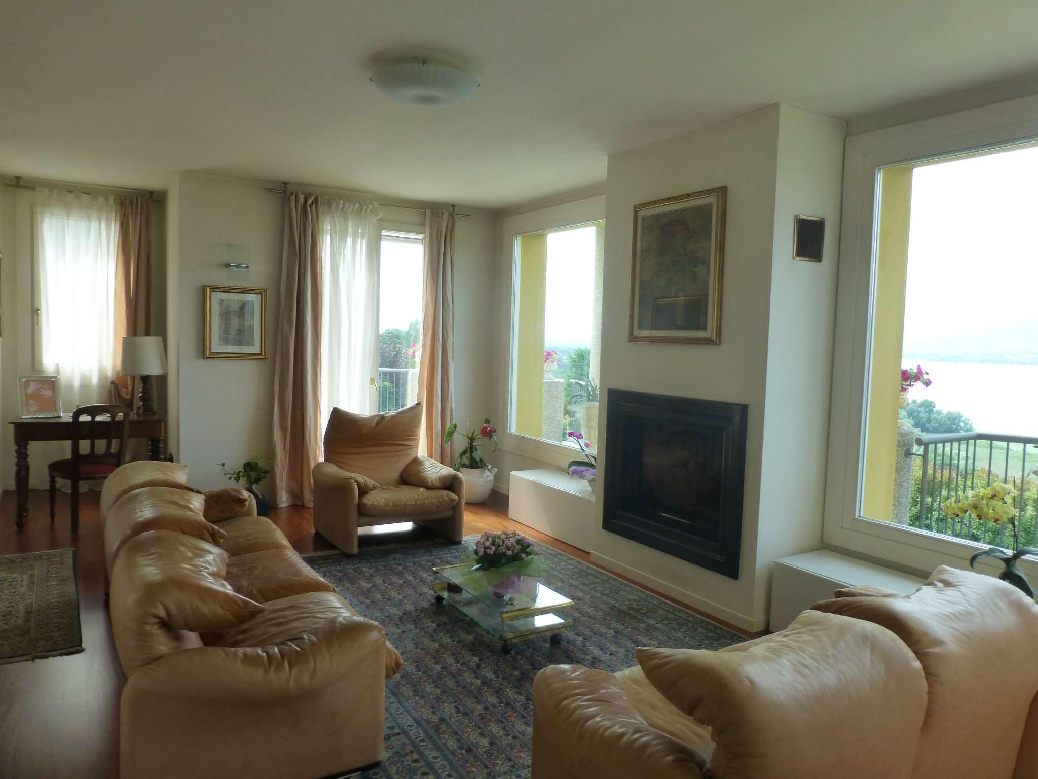 Villa in Vendita a Galliate Lombardo Centro: 5 locali, 700 mq