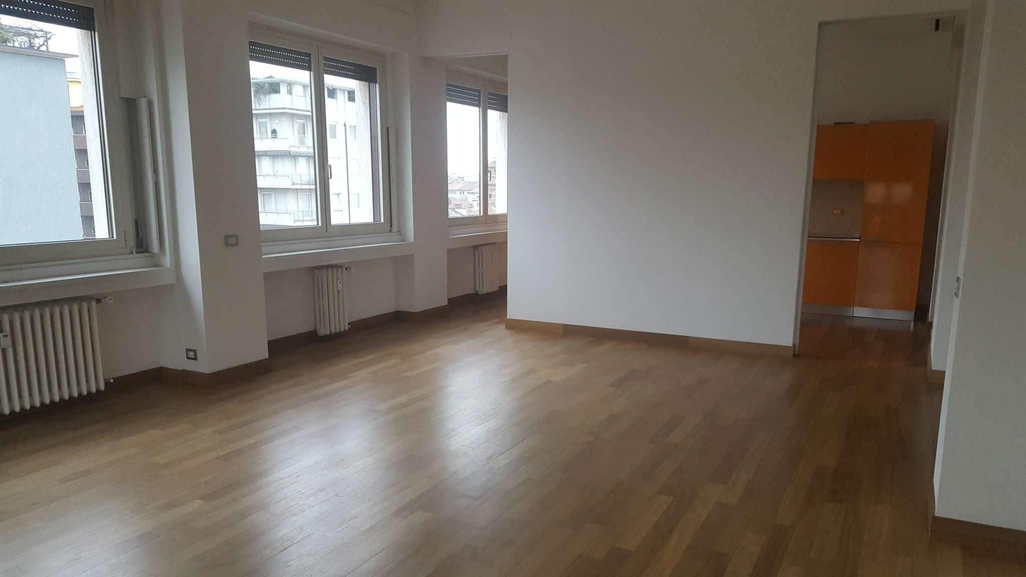 Appartamento in affitto a Milano, 5 locali, zona Zona: 1 . Centro Storico, Duomo, Brera, Cadorna, Cattolica, prezzo € 3.500 | Cambio Casa.it