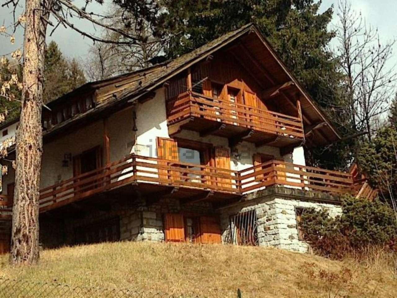 Villa in vendita a ponte di legno via giorgio giorgi for Case di legno vendita