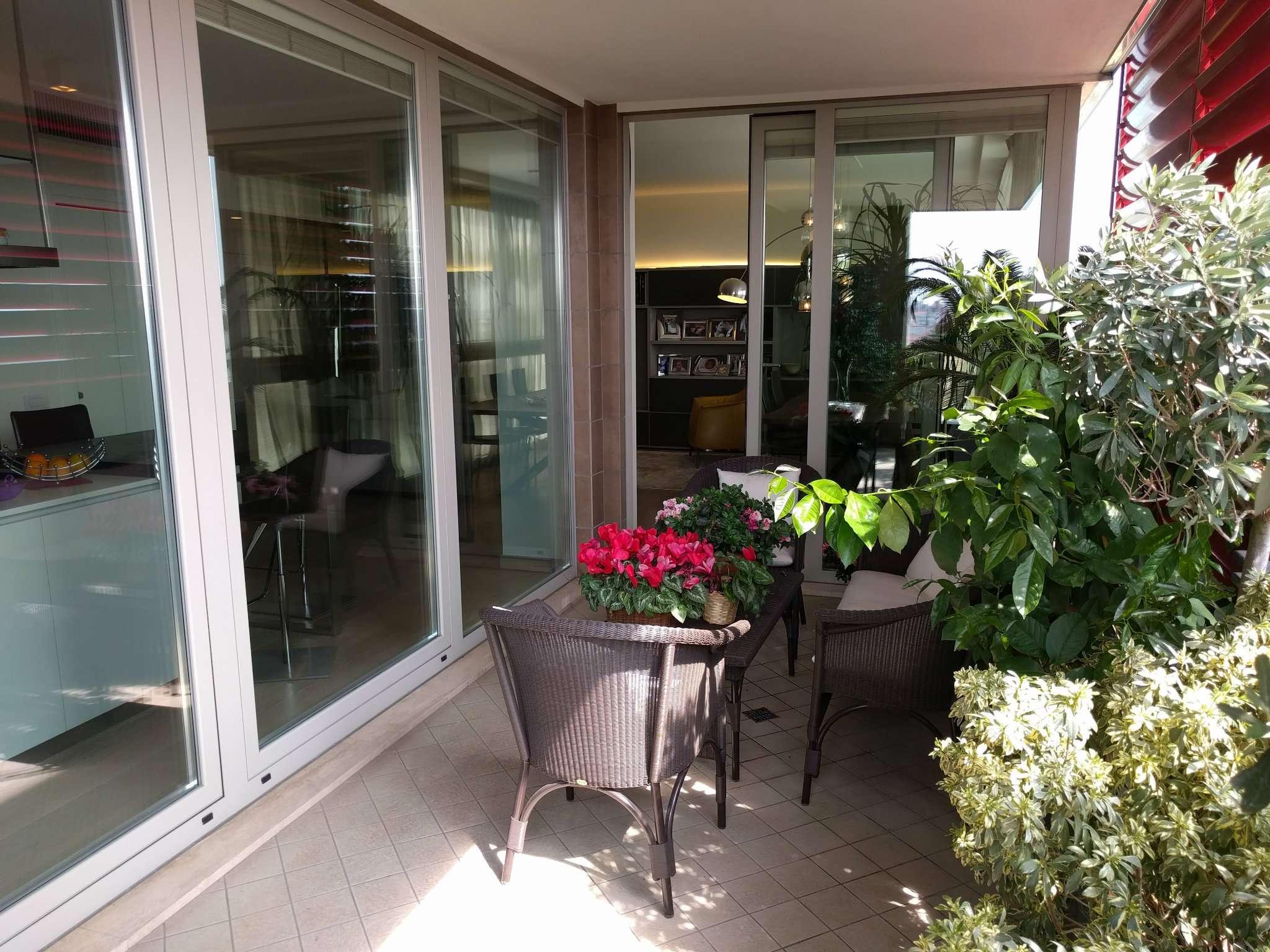 Appartamento in Vendita a Milano 06 Italia / Porta Romana / Bocconi / Lodi: 5 locali, 200 mq