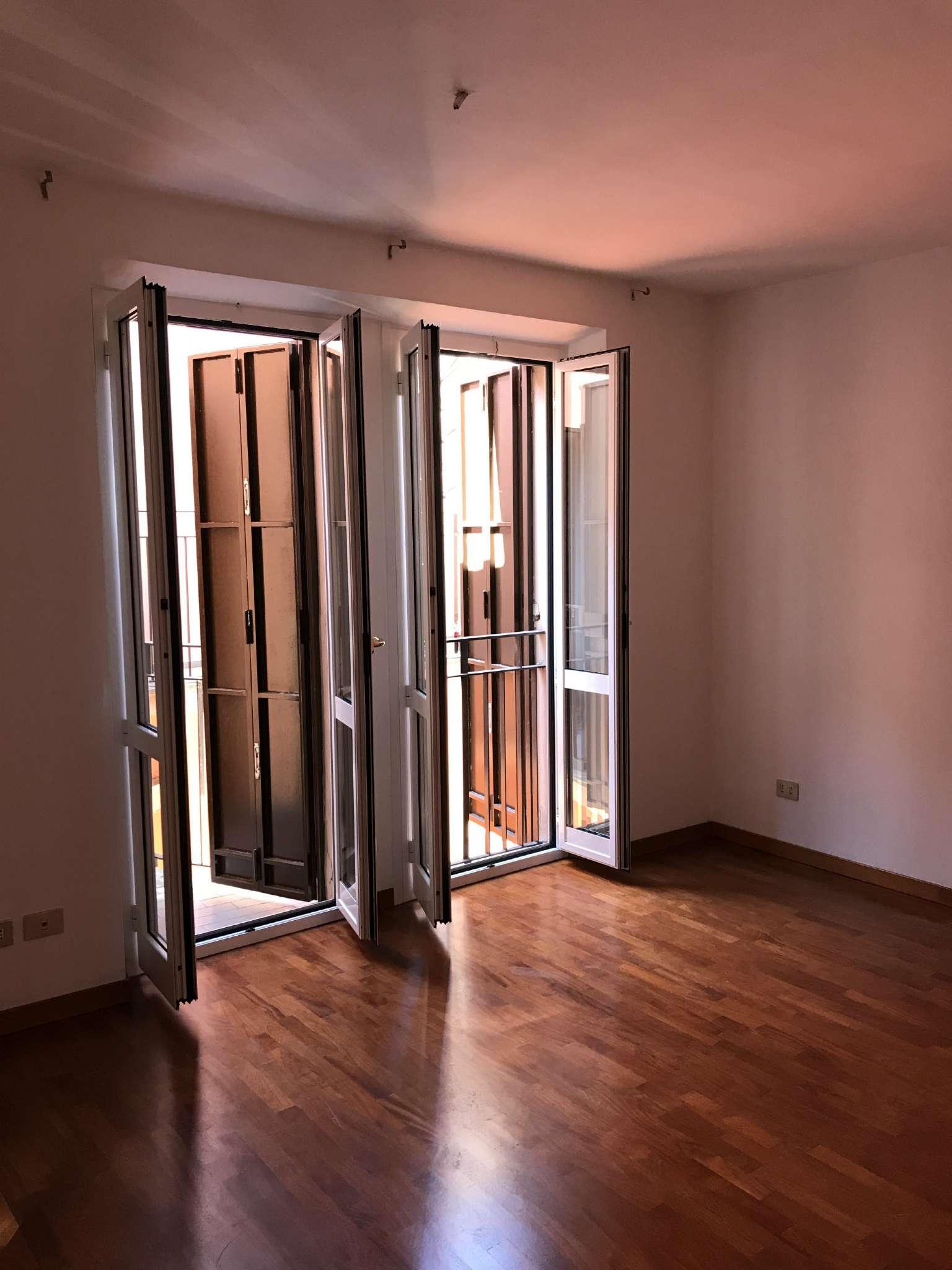 Appartamento in affitto a milano via della spiga for Planimetrie dell armadio