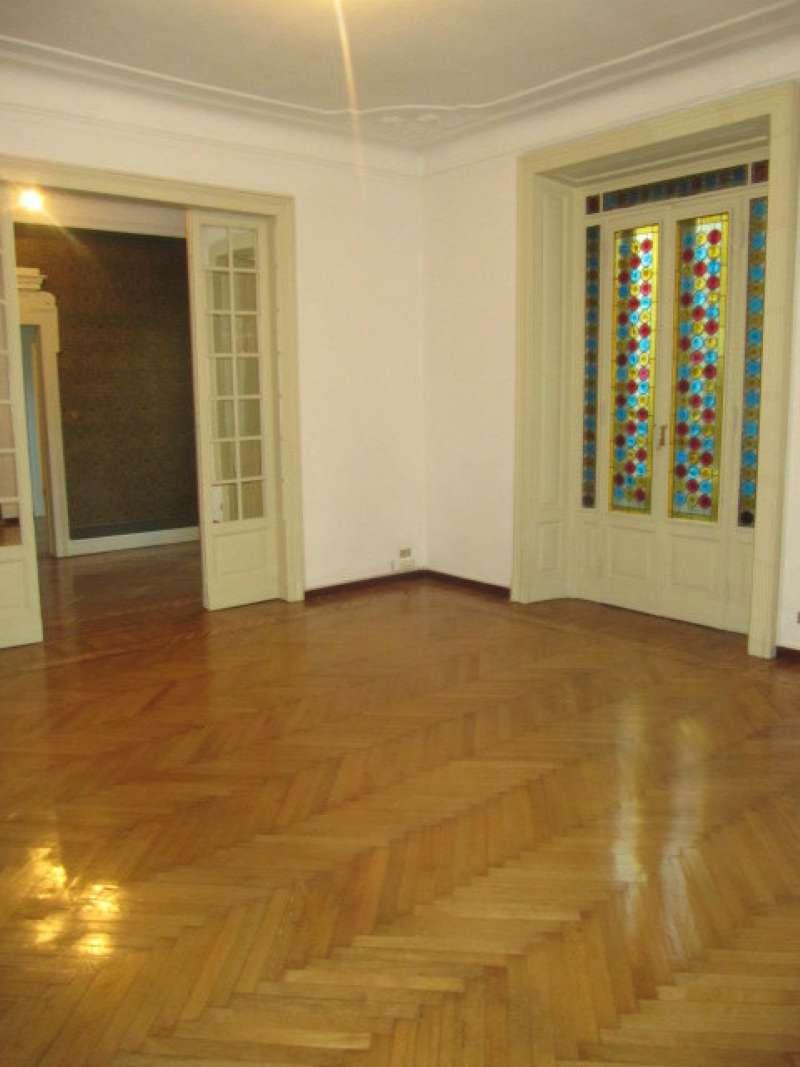 Appartamento in Affitto a Milano 01 Centro storico (Cerchia dei Navigli): 5 locali, 320 mq