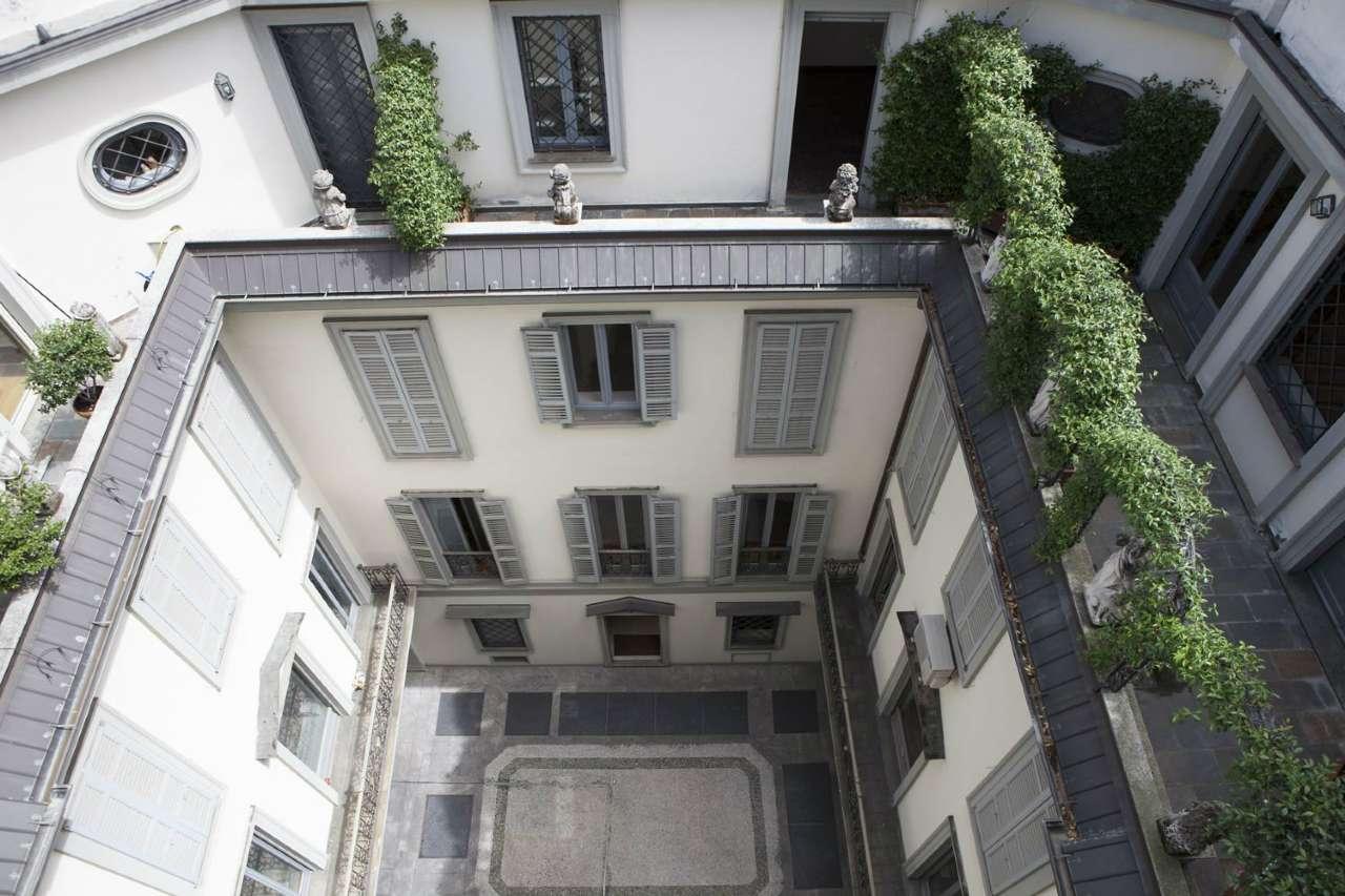 Appartamento in Affitto a Milano 01 Centro storico (Cerchia dei Navigli): 5 locali, 160 mq