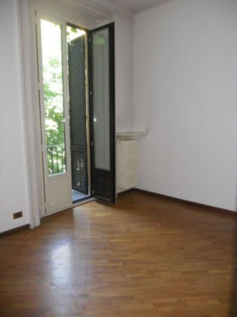 Appartamento in affitto a milano via pietro mascagni for Planimetrie dell armadio