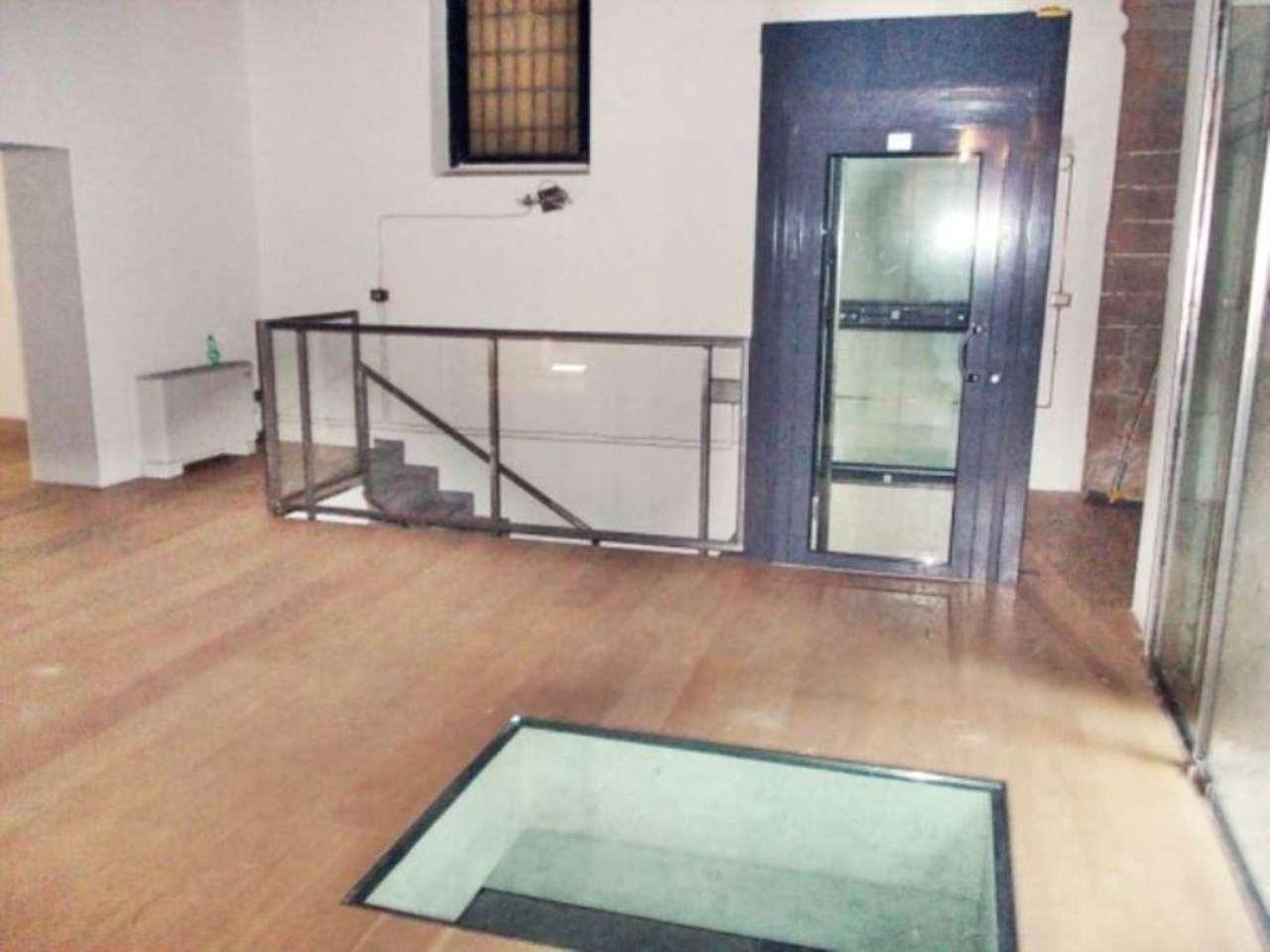 Negozio / Locale in affitto a Milano, 1 locali, zona Zona: 1 . Centro Storico, Duomo, Brera, Cadorna, Cattolica, prezzo € 9.160 | Cambio Casa.it