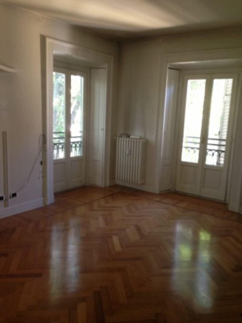 Appartamento in affitto a Milano, 6 locali, zona Zona: 1 . Centro Storico, Duomo, Brera, Cadorna, Cattolica, prezzo € 5.400 | Cambio Casa.it