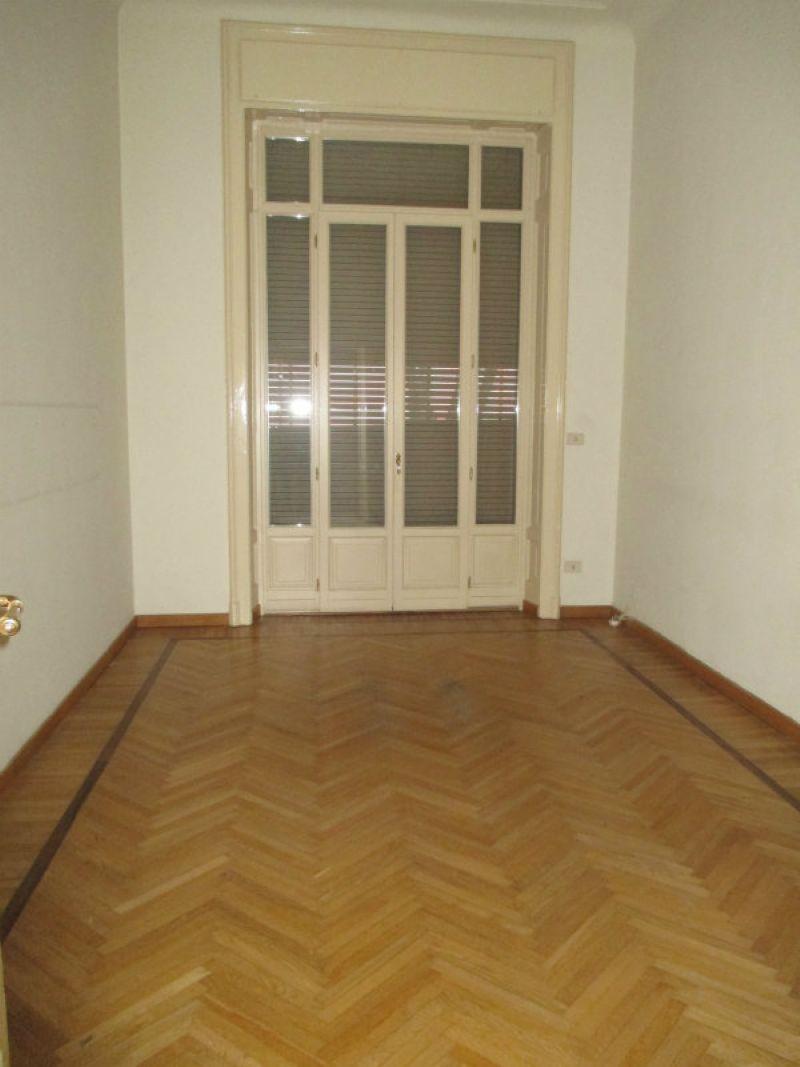 In Affitto - 4+4 a Milano Appartamento