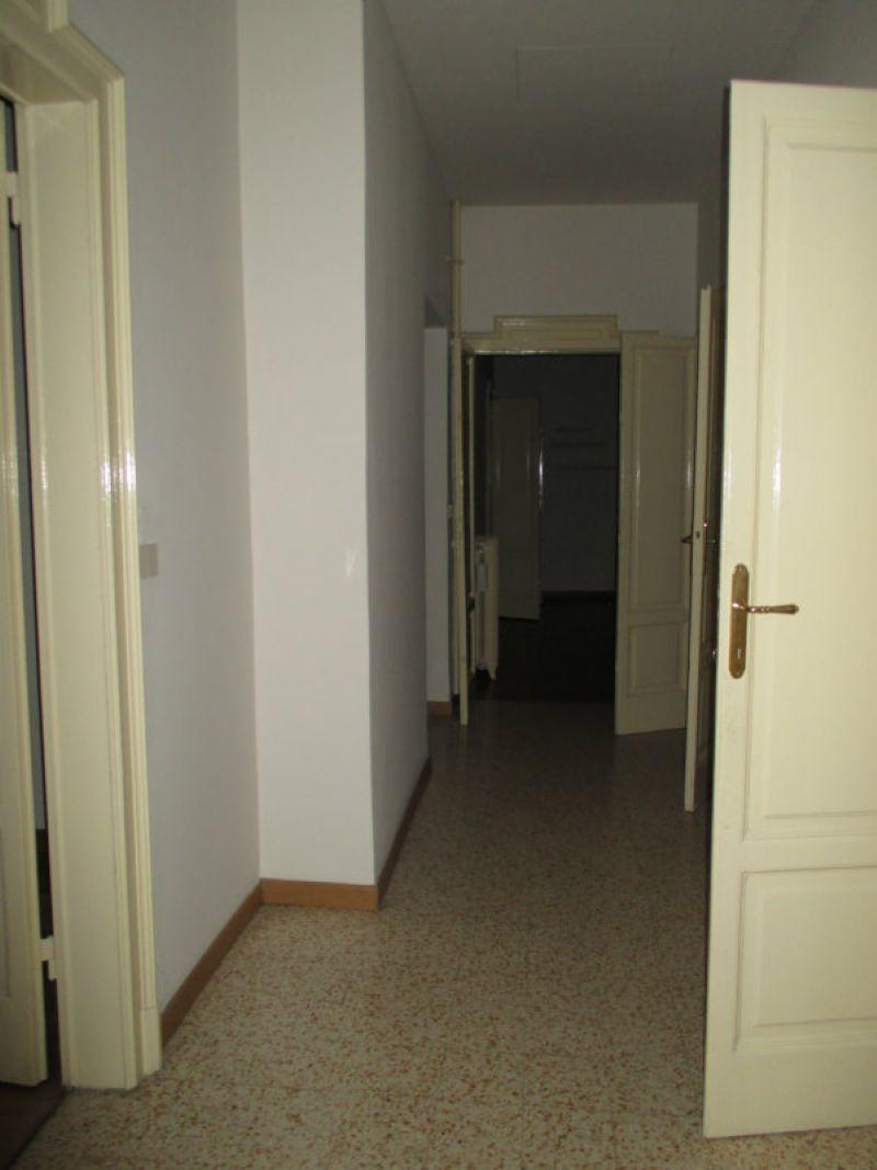 Appartamento in affitto a milano piazza sant ambrogio for Planimetrie dell armadio