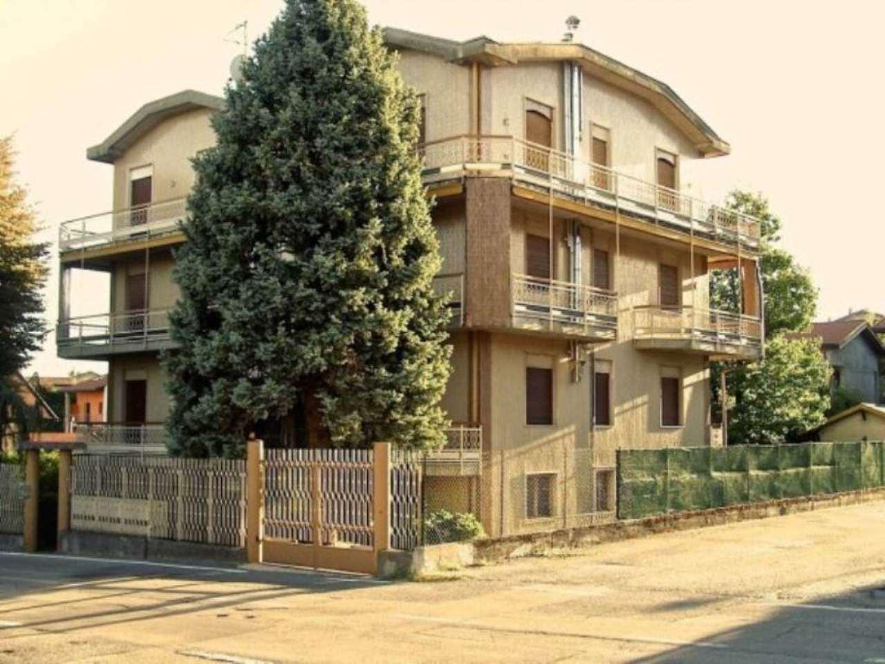Soluzione Indipendente in vendita a Monguzzo, 6 locali, prezzo € 340.000 | Cambio Casa.it