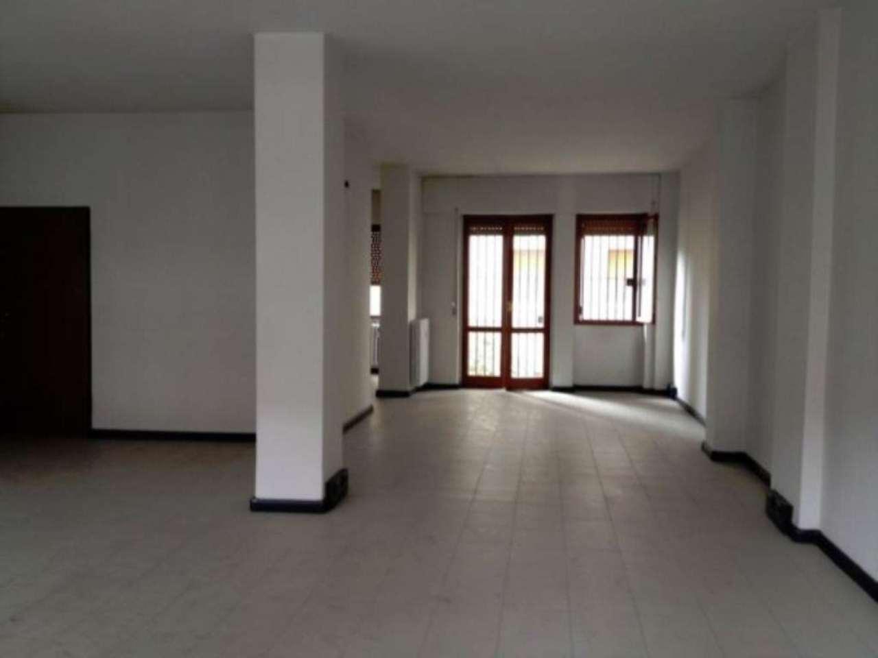 Ufficio-studio in Vendita a Gallarate Centro: 4 locali, 210 mq