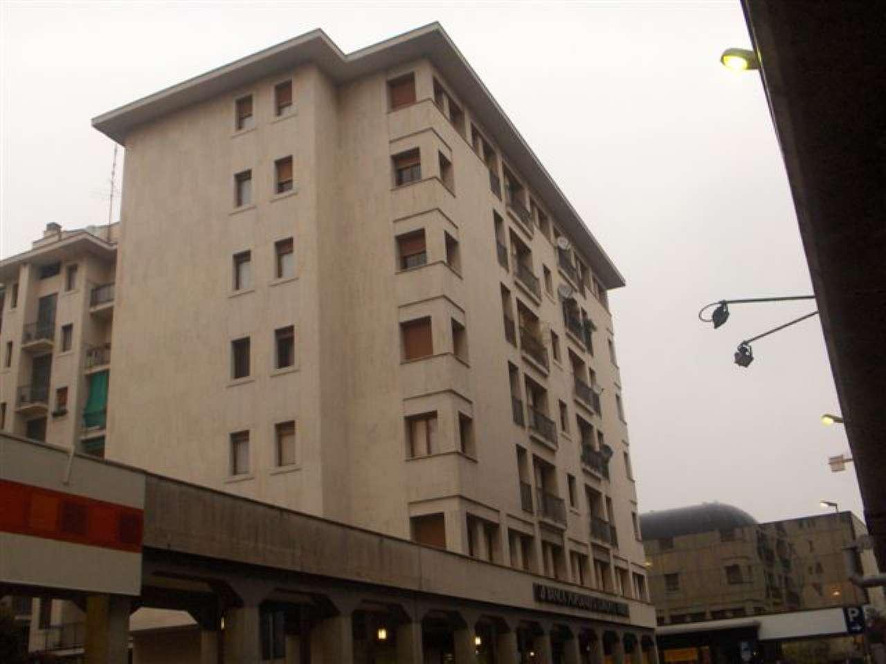 Appartamento in Vendita a Gallarate Centro: 4 locali, 210 mq