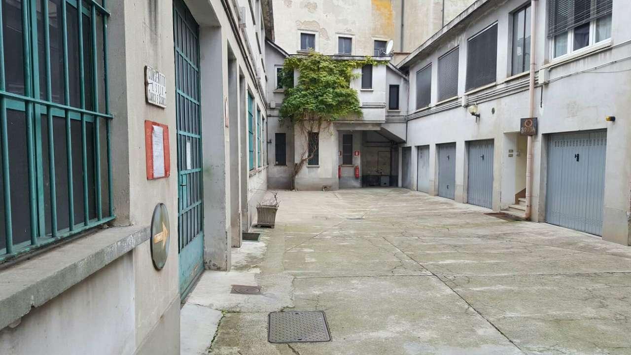 Appartamento in vendita a milano via giuseppe meda for Fontana arredamenti milano via tibaldi