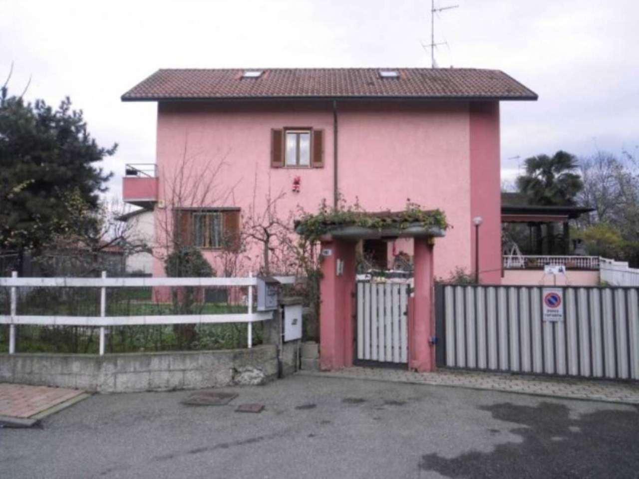 Villa in vendita a Zibido San Giacomo, 5 locali, Trattative riservate | Cambio Casa.it