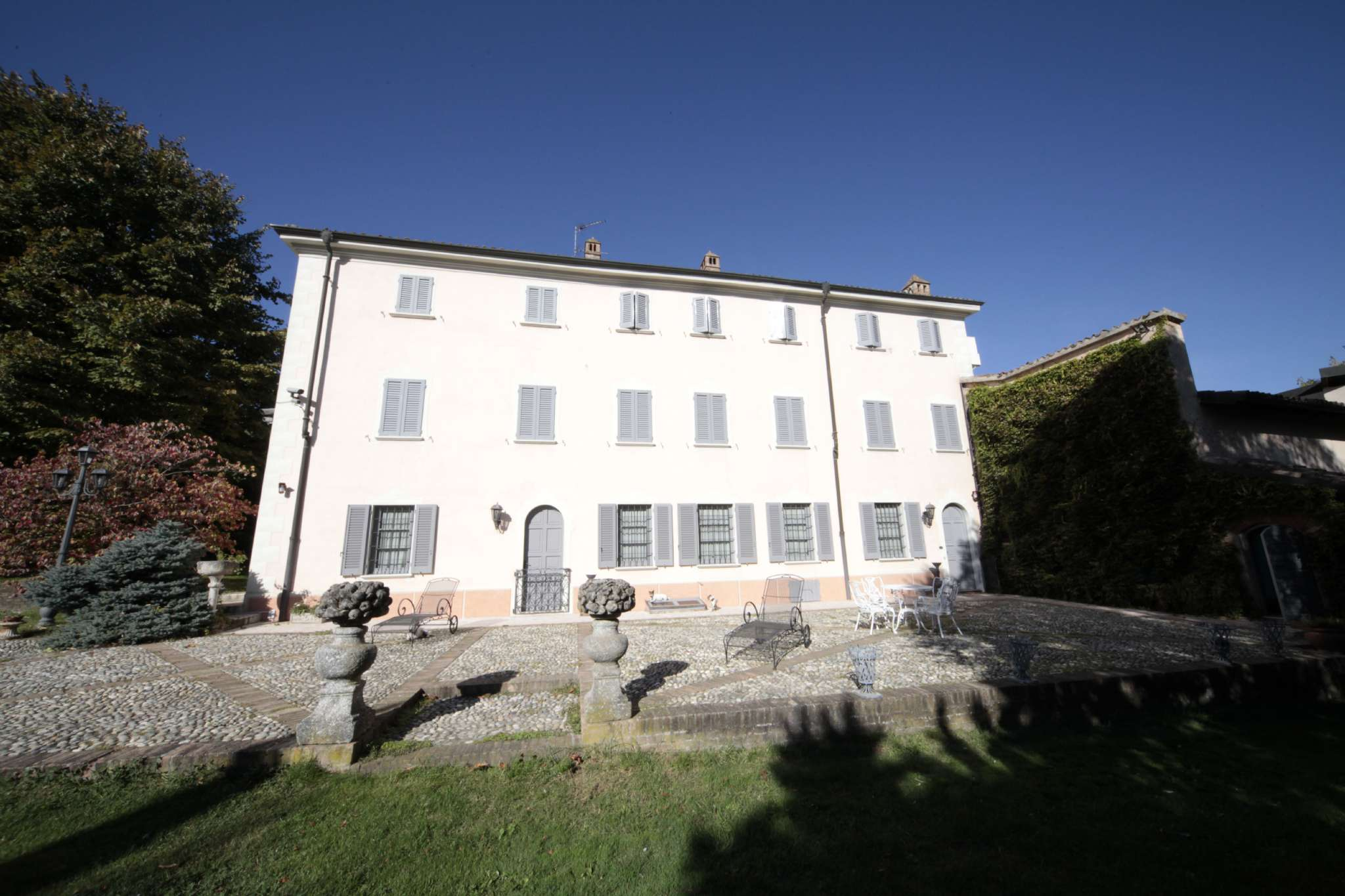 Altro in vendita a Casteggio, 16 locali, Trattative riservate | Cambio Casa.it
