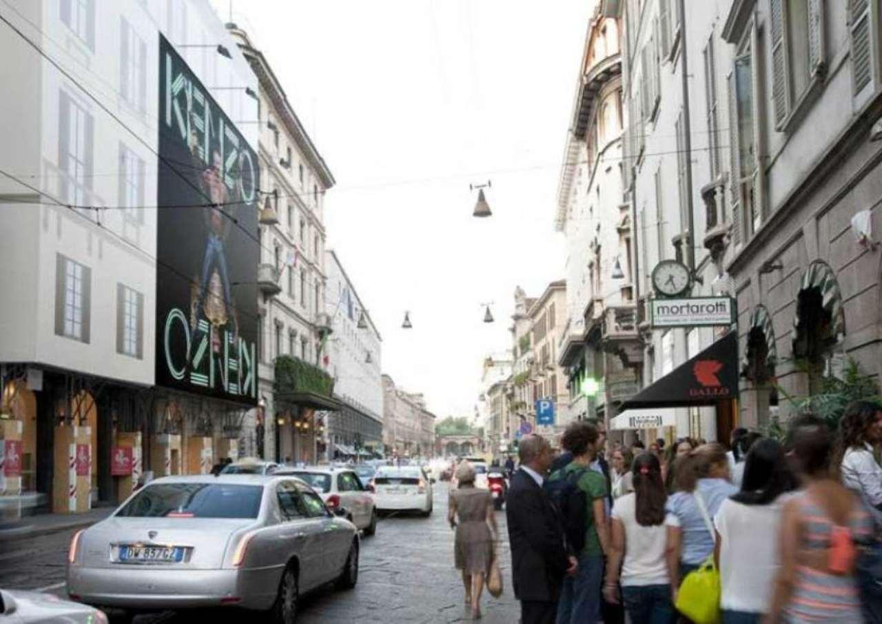 Negozio / Locale in affitto a Milano, 4 locali, zona Zona: 1 . Centro Storico, Duomo, Brera, Cadorna, Cattolica, prezzo € 10.000 | Cambio Casa.it