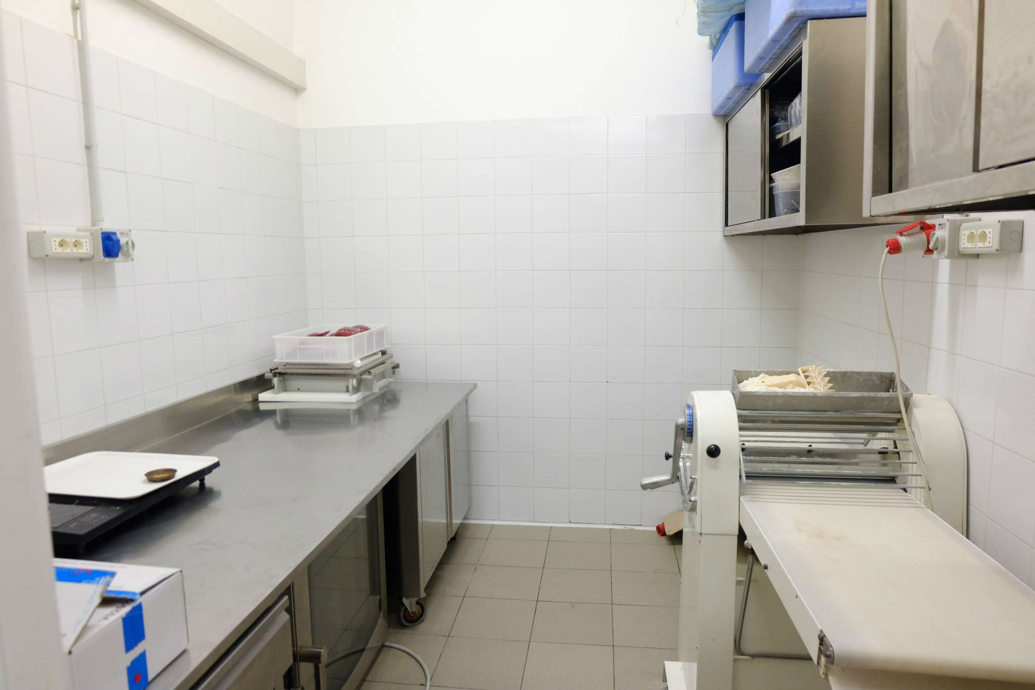 Laboratorio in vendita a Milano, 8 locali, zona Zona: 1 . Centro Storico, Duomo, Brera, Cadorna, Cattolica, prezzo € 150.000 | Cambio Casa.it