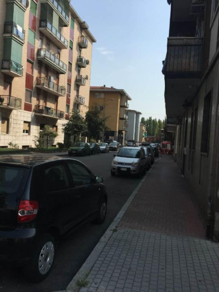 Bilocale Rozzano Via Tevere 3