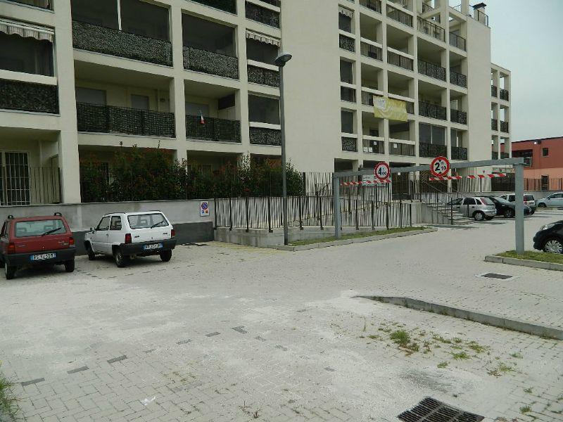 Bilocale Rozzano Via Lambro 12