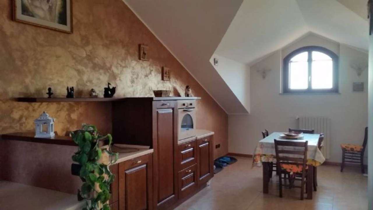 Attico / Mansarda in vendita a Peschiera Borromeo, 2 locali, prezzo € 180.000 | Cambio Casa.it