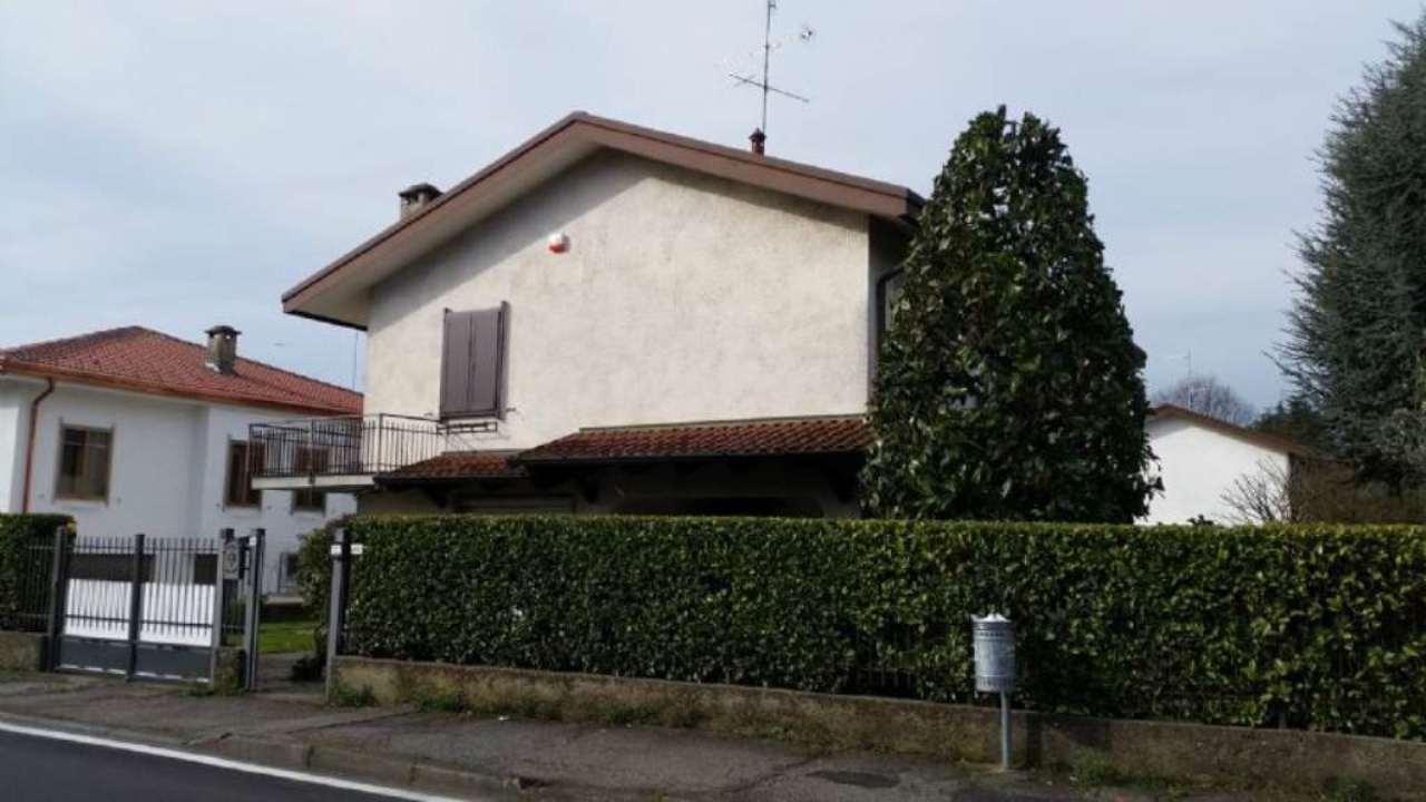 Villa in vendita a Pantigliate, 4 locali, prezzo € 390.000 | Cambio Casa.it