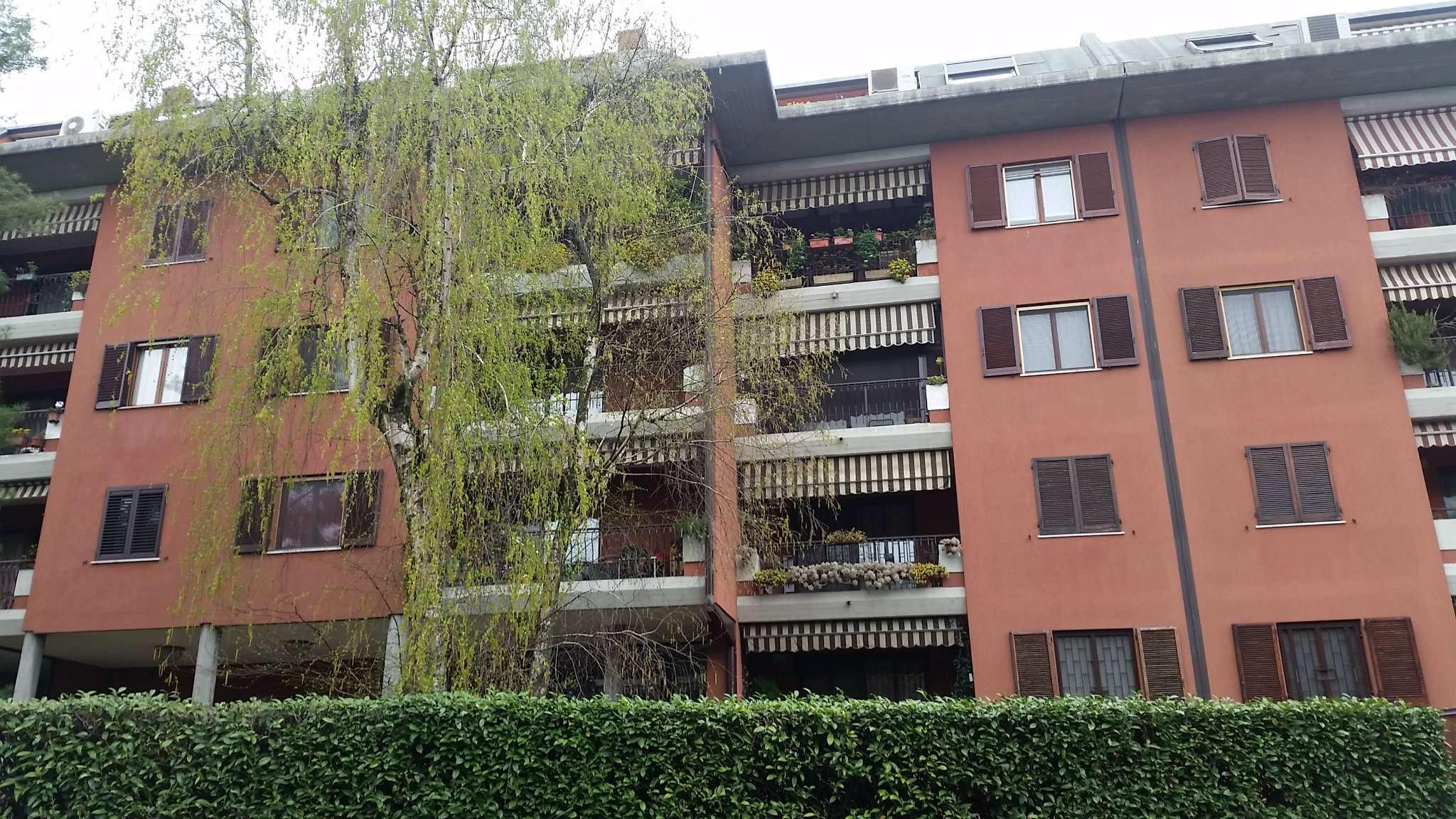 Bilocale Peschiera Borromeo Via  Filzi 2