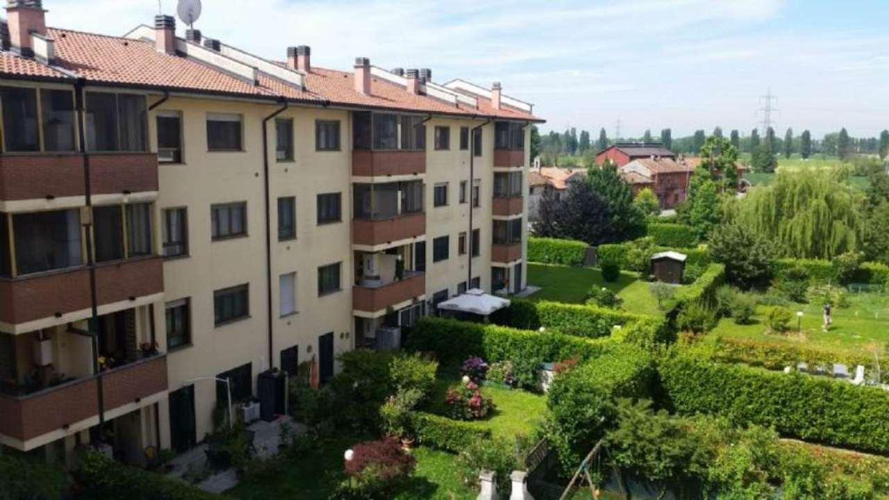 Appartamento in vendita a Mediglia, 4 locali, prezzo € 200.000 | Cambio Casa.it