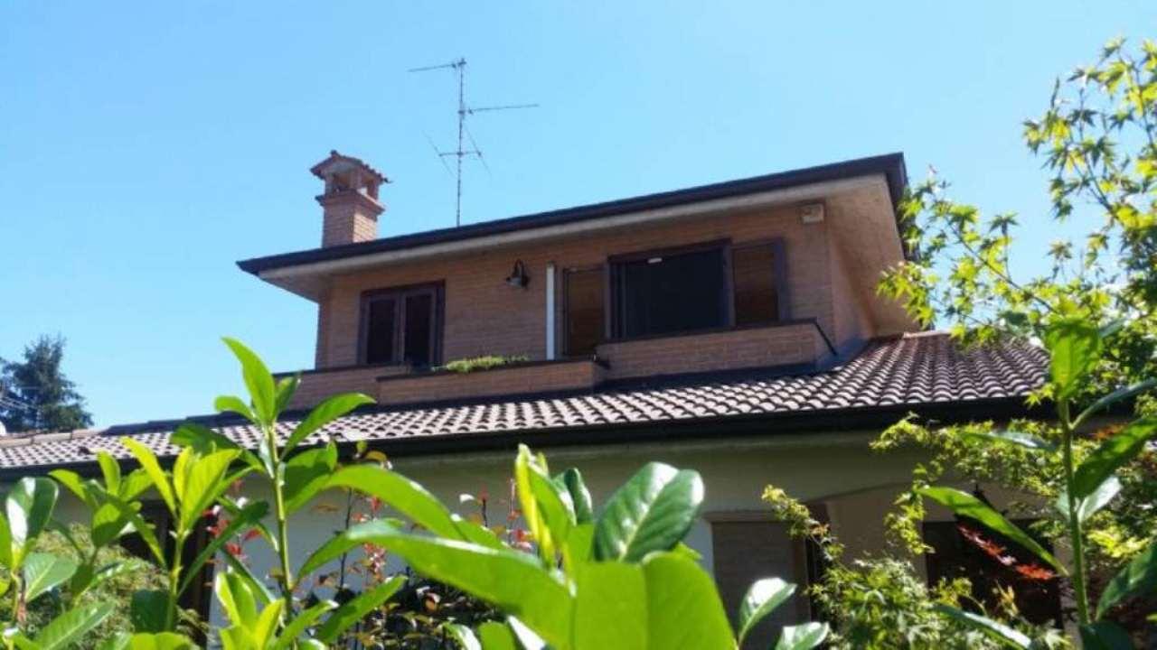 Villa in vendita a Spino d'Adda, 4 locali, prezzo € 280.000 | Cambio Casa.it