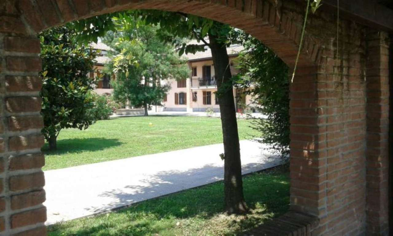 Bilocale Peschiera Borromeo Via Trento 4