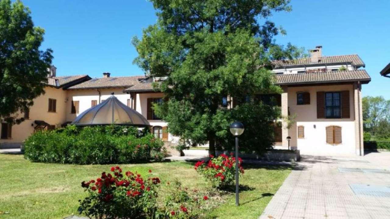 Bilocale Peschiera Borromeo Via Trento 10