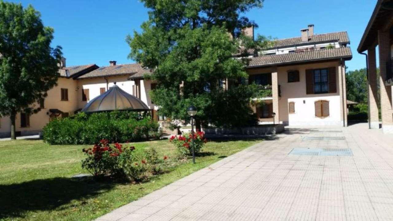 Bilocale Peschiera Borromeo Via Trento 12