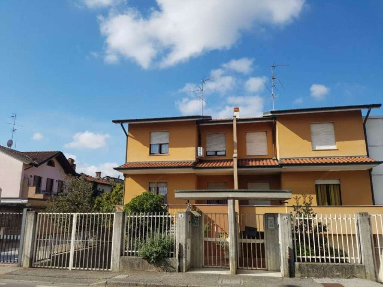 Villa a Schiera in vendita a Pantigliate, 4 locali, prezzo € 310.000 | Cambio Casa.it