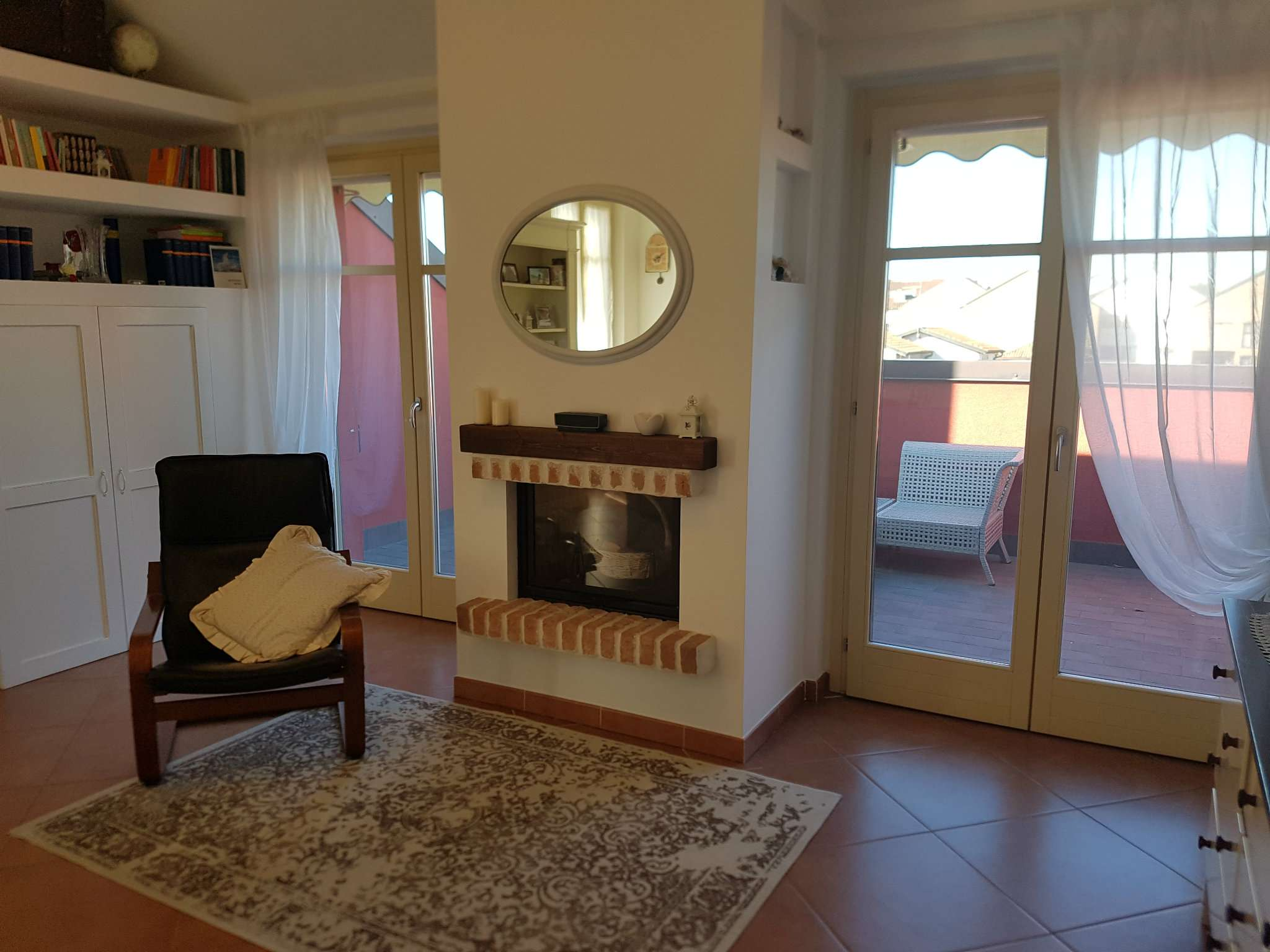 Attico / Mansarda in vendita a Peschiera Borromeo, 3 locali, prezzo € 320.000 | Cambio Casa.it