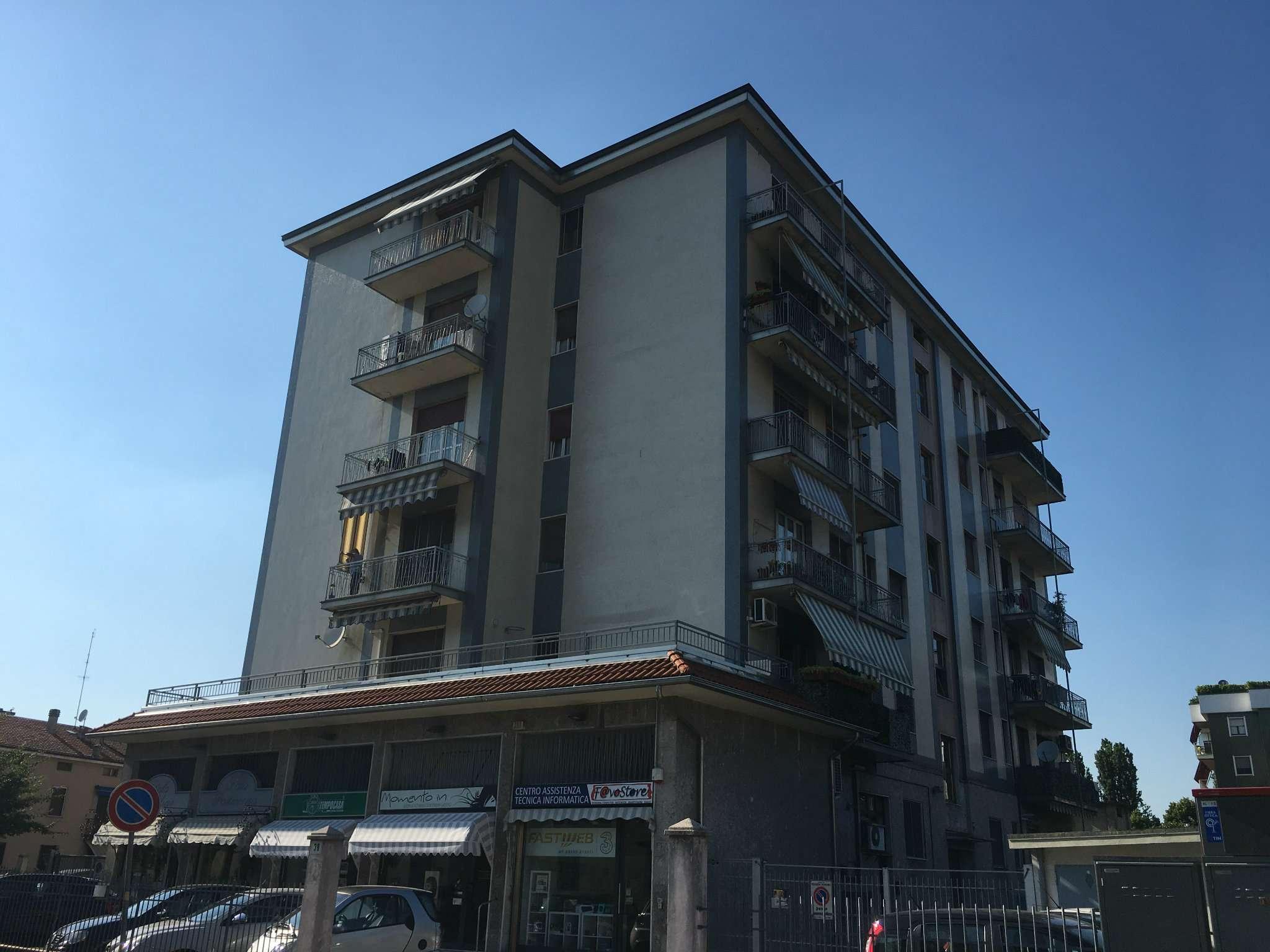 Appartamento in affitto a Peschiera Borromeo, 2 locali, prezzo € 600 | CambioCasa.it
