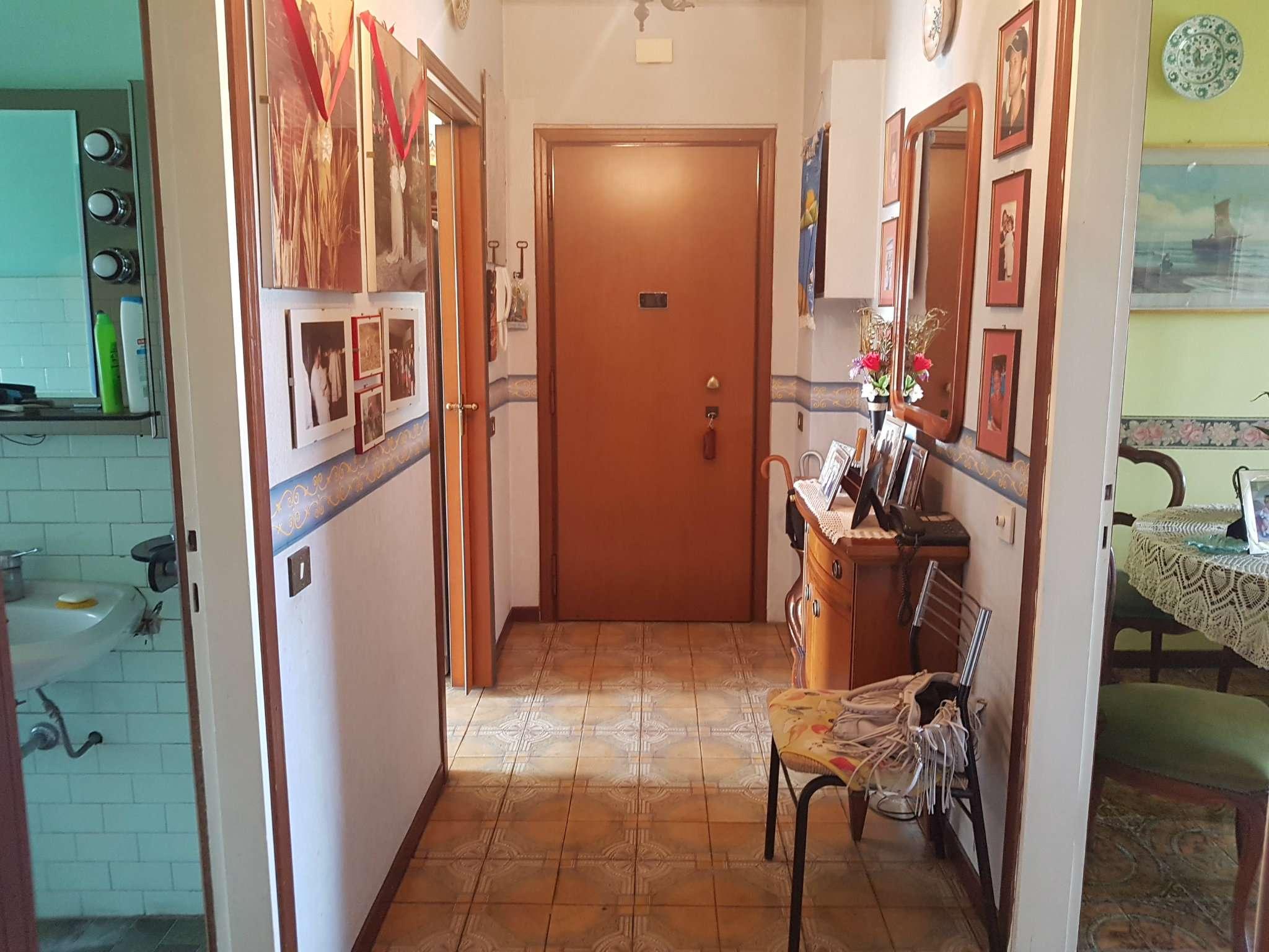 Appartamento in vendita a San Donato Milanese, 3 locali, prezzo € 140.000 | CambioCasa.it