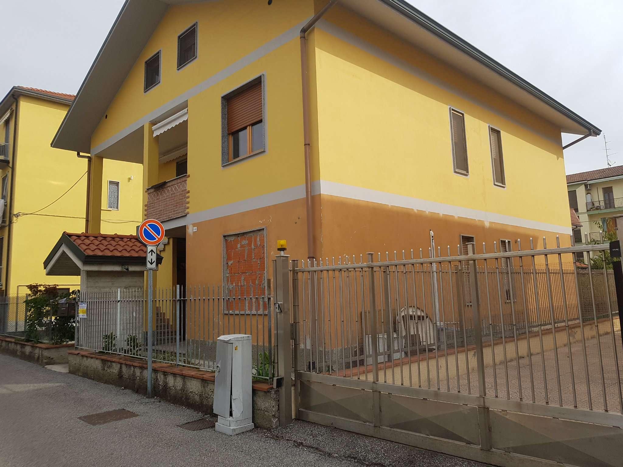 Appartamento in vendita a Mediglia, 2 locali, prezzo € 70.000 | CambioCasa.it