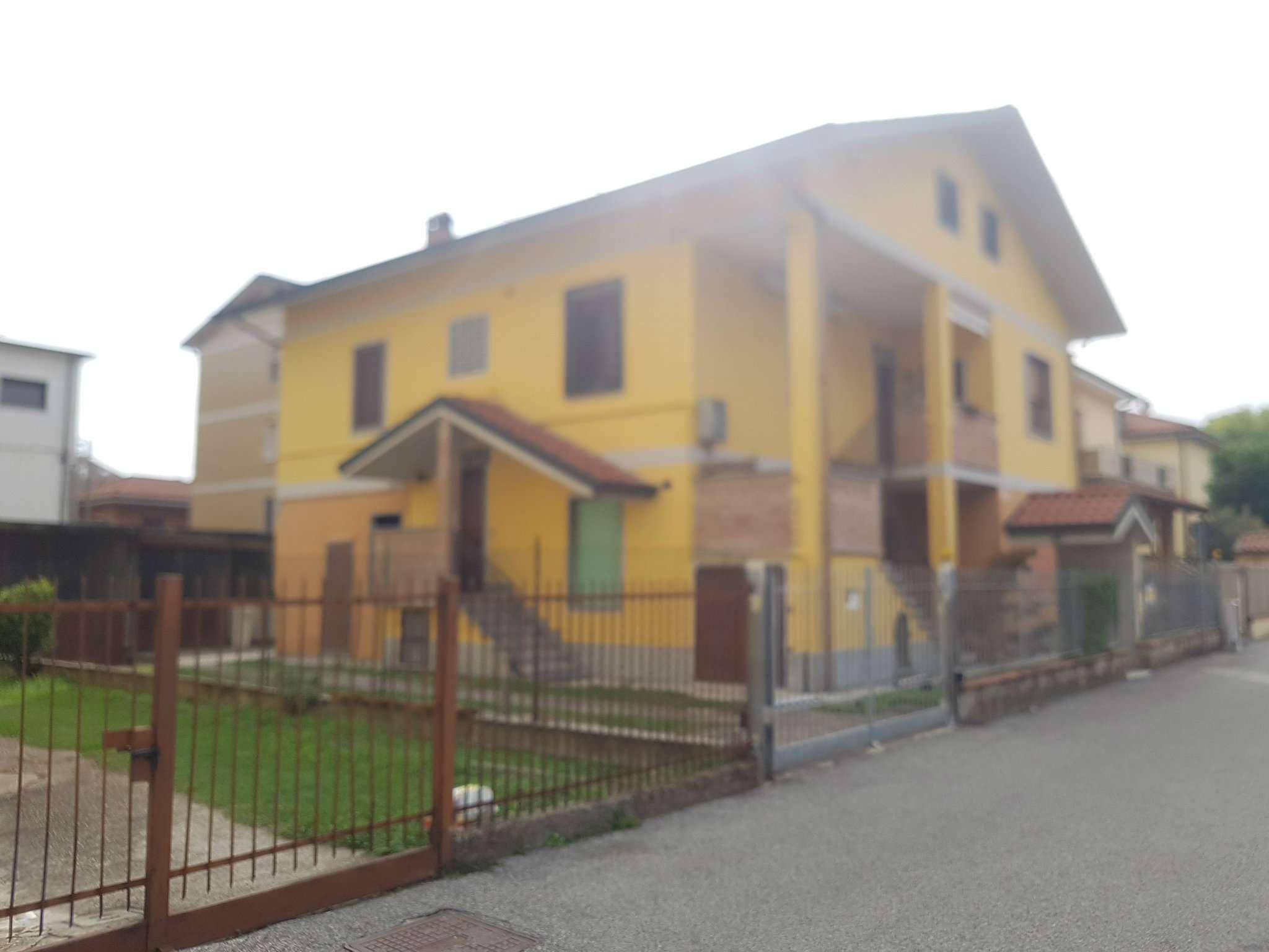 Appartamento in vendita a Mediglia, 2 locali, prezzo € 80.000 | CambioCasa.it